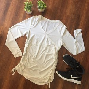 White Athleta long sleeve shirt